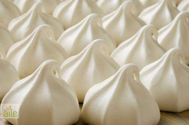 Pasta kreması tarifi... Pastalarınız bu kremayla renklenecek. http://www.hurriyetaile.com/yemek-tarifleri/pasta-tarifleri/pasta-kremasi-tarifi_409.html