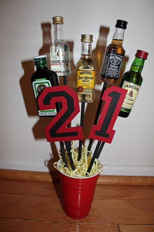I made this for my boyfriend's 21st birthday!  21 legal birthday present alcohol bouquet manly boyfriend friend best friend gift 21st red solo cup
