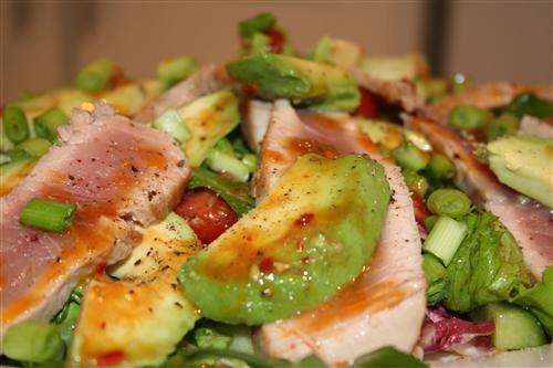 Seared tuna and avo salad | Chef Dom (Food24)