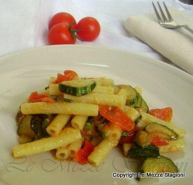 Pasta zucchine e pomodorini