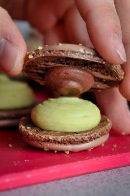 Macarons avocat-citron vert-chocolat