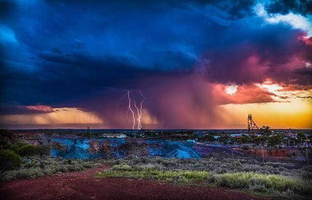 Kalgoorlie during a Summer thunderstorm!