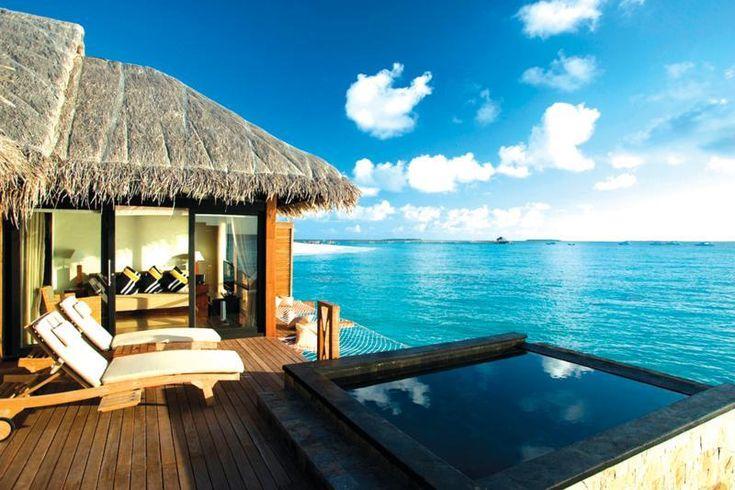 Quần đảo Maldives nổi lên như một chuỗi ngọc trên biển.
