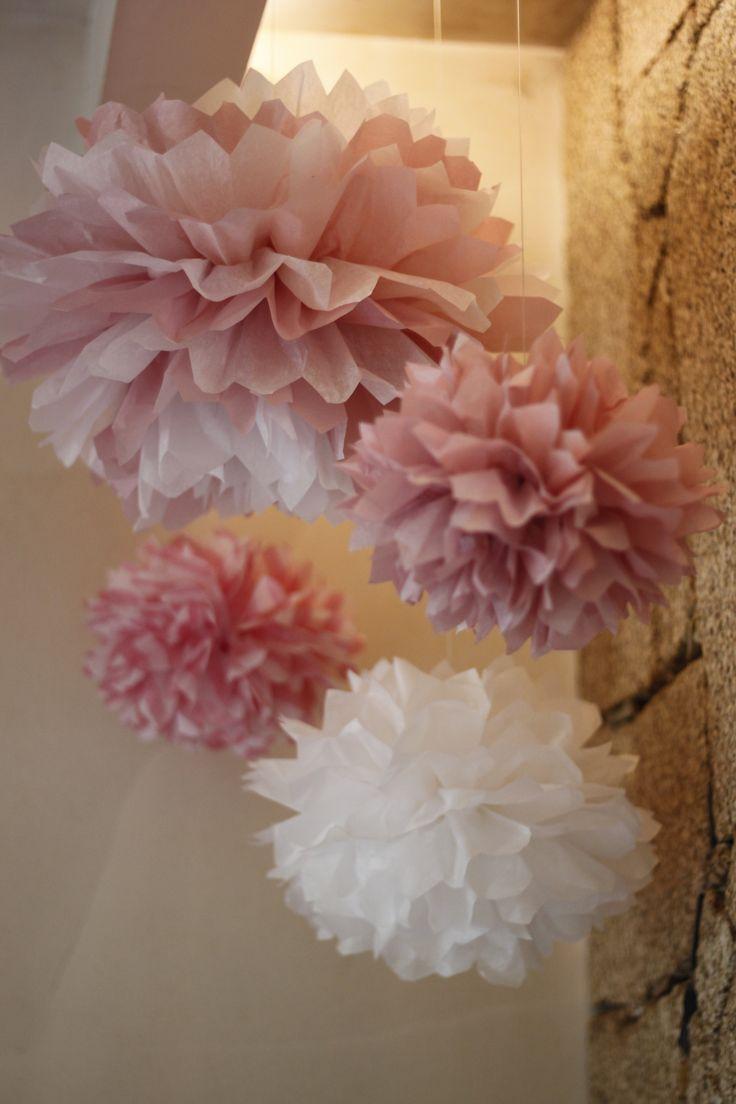 Pompons de papel de seda