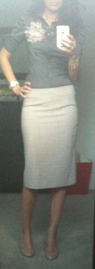 cute pencil skirt....love the whole outfit!