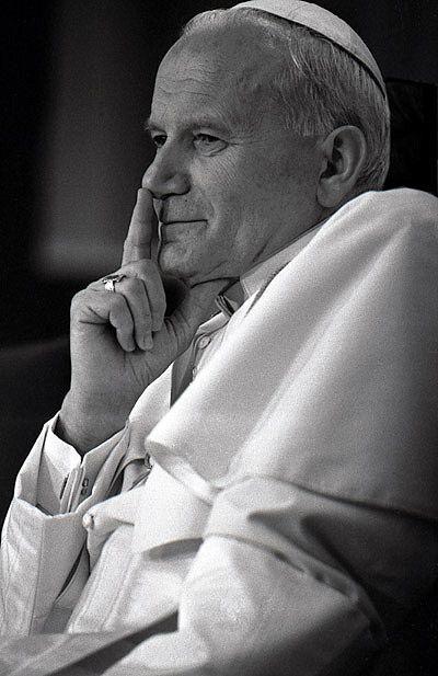 Pope John Paul II   ... Pope John Paul II visits The Netherlands in 1985 > Pope John Paul II