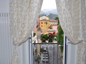 th small balcony
