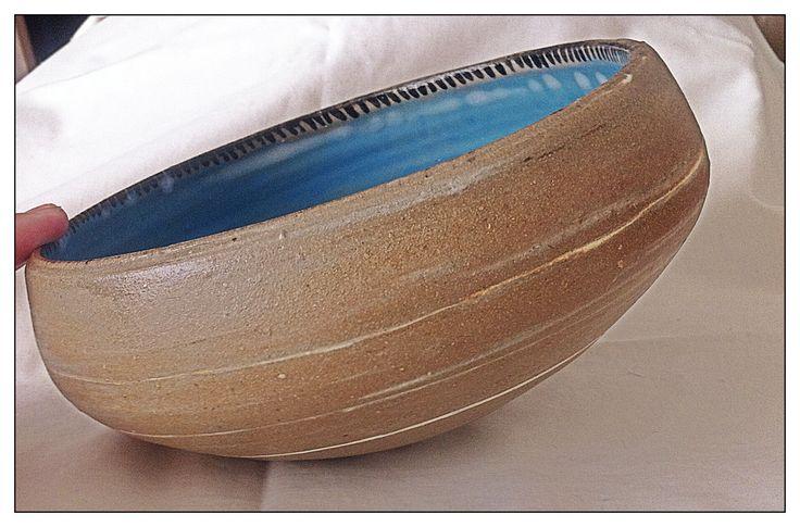 Self-centre bowl