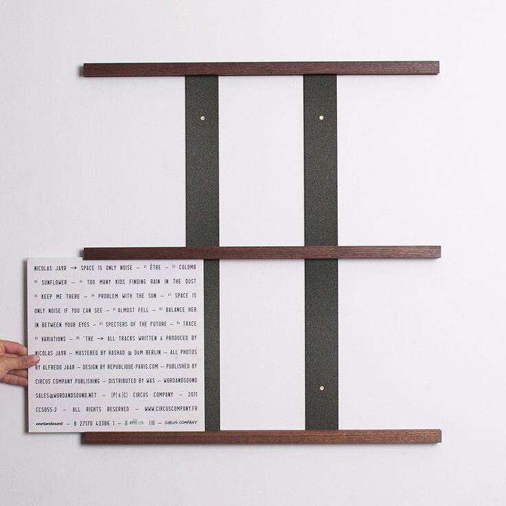 Harold: Queue Vinyl Display System - Walnut