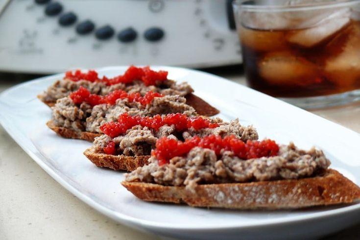 Paté de sardinas picantes y huevas muy sencillo y rápido de preparar, latas tal cual al vaso de la thermomix o batidora y dale marcha, que picaaaa