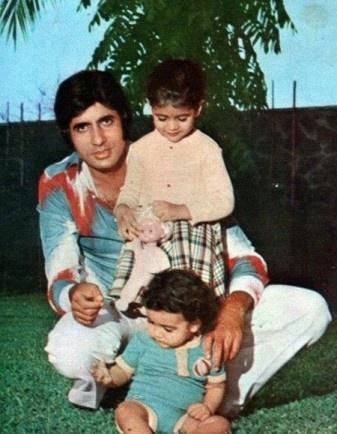 Amitabh Bachachan with his kids Abhishek and Shweta.