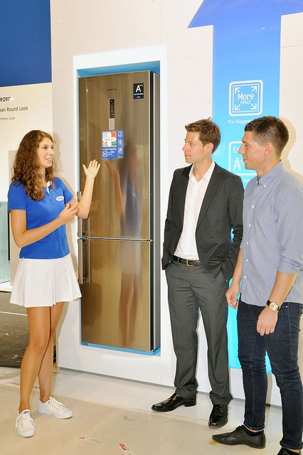 Samsung Electronics unveiled its new home appliances with the industry and consumers at IFA 2011.    At the show, Samsung's innovative products, combined with the latest smart technology, were laid out in the context of living a Smarter Life that ultim good image to share