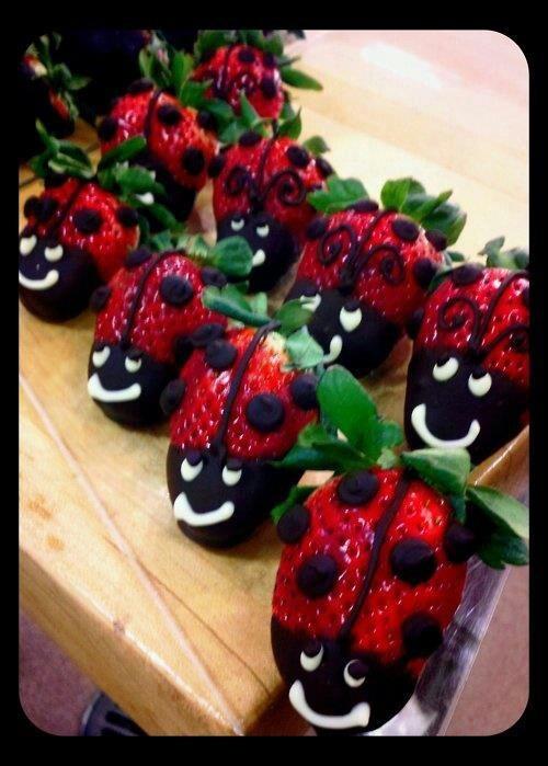 Chocolade.aardbeien lieveheersbeestjes