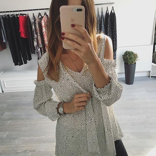 Nasza nowa bluzka KEIRA już niedługo w sprzedaży❤️🔥❤️ #fashion #fashionstyle #instastyle #dress #style #ootd #outfit #lookoftheday #outfitoftheday #essentials #instalike #follow #instamood #potd #picoftheday #showroom #moda #krakow #sukienki #butik