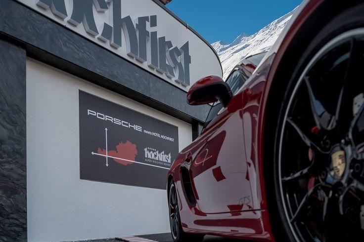 Porsche meets Hotel #Hochfirst beim #Porsche fahren in den Bergen im #Ötztal. #Obergurgl #Sportwagen #Rennwagen #Luxuswagen #Qualität #Tirol #Alpen #Schnee #Winter #Winterurlaub