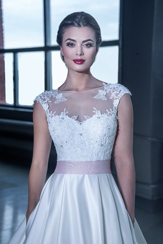 15228 в Красноярске, Платье в пол, Свадебное платье с рукавом, Свадебное платье с закрытым верхом, Пышное свадебное платье