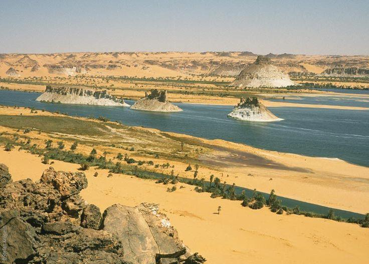 Die Seen von Ounianga, Lac Teli, Felsen im Wasser, Explore Chad