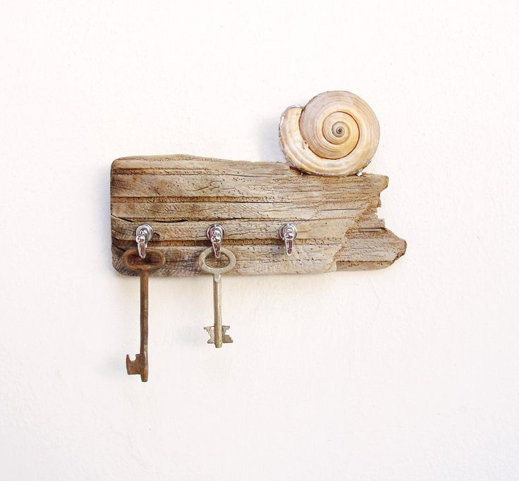 Seashore Love - Key Holder Rack, Jewelry Organizer Rack - Driftwood, Shell, Metal