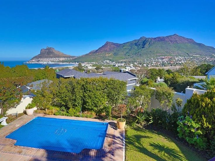 Union II - Set within Scott Estate in Hout Bay, Union II offers a memorable stay to guests.This lovely house is a great option for groups or families visiting this part of Cape Town.The upper level of this comfortably ... #weekendgetaways #houtbay #capemetropole,peninsula #southafrica
