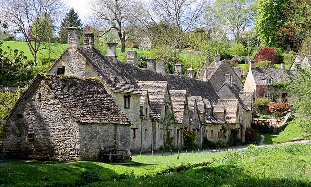 Arlington row A row of weavers cottages dating back to the 16th Century,one of the most picturesque scenes you will find in the Cotswolds.