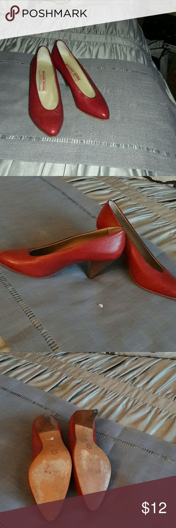 Vintage Italian shoes Red leather Italian shoe with wood stacked heel of 2 inches good condition and leather sole. Milan moda Shoes Heels