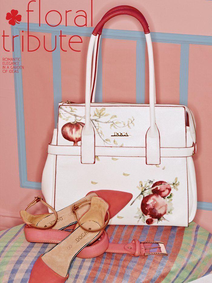 Συνδιάστε ιδανικά μια τσάντα σε λευκό με τύπωμα ροδιού ζωγραφισμένο στο χέρι με μπαλαρίνες και ζώνη στις ίδιες αποχρώσεις. Θα είναι η πιο γλυκιά και ρομαντική σας εμφάνιση!