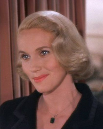 "EVE: ""I'm Eve Kendall. Twenty six and unmarried. Now you know everything"". Eva Marie Saint in ""NORTH BY NORTHWEST"" (1959)."