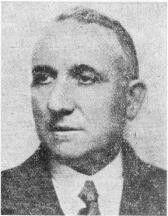 Don Santiago Martín Báguena, comisario jefe, figura de gran prestigio en la Policía y que padeció, a lo largo de su carrera, muchas penalidades por su recto proceder. Había desempeñado el puesto de Jefe Superior de Madrid. Por Decreto de 30 de mayo de 1936 se le separa del Cuerpo de Investigación y Vigilancia. No concluyeron aquí sus desgracias, su vida terminó el 22 de agosto de 1936, asesinado en los sótanos de la Cárcel Modelo.