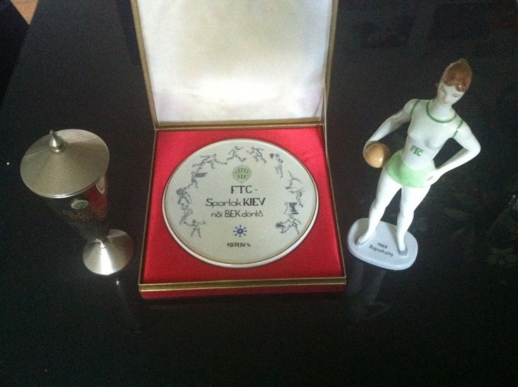 Ferencvarosi TC - 1971 Women's Handball EHF Champions League Finalist large herend porcelain plaque