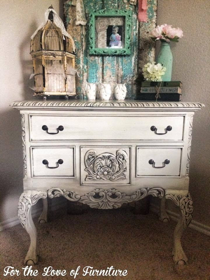 25 best ideas about antique white furniture on pinterest antique white paints antique. Black Bedroom Furniture Sets. Home Design Ideas
