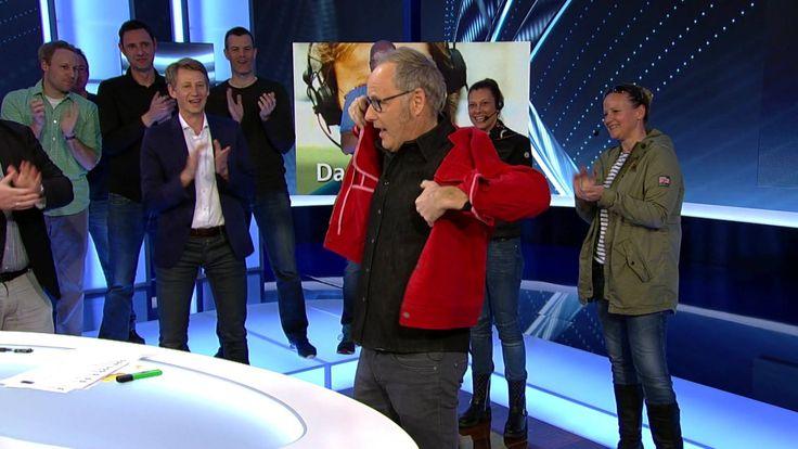 Das war heute Abend Reinhold Beckmanns letzte Sportschau. Wir halten's mit Horst Hrubesch und sagen nur ein Wort: vielen Dank!