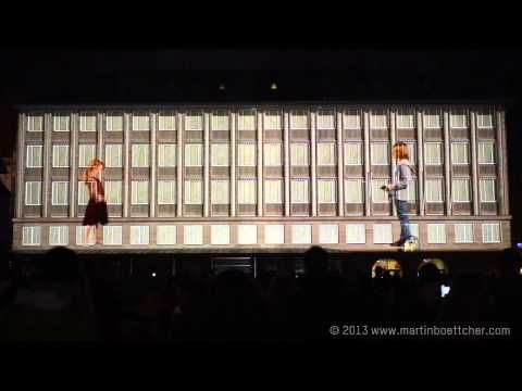 ▶ 3D mapping projection - PHANTASTONAUT - official video - Blaue Nacht Nürnberg 2013 - Boettcher - YouTube