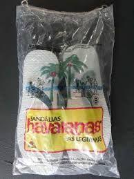 Eu sou da época em que as havaianas eram vendidas assim, na feira.