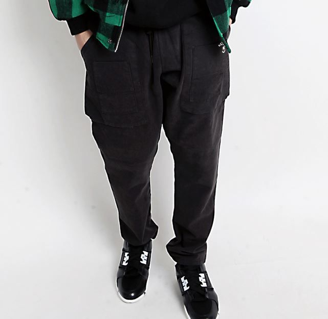 Korea men fashion mall, Hong Chul style [NOHONGCUL.COM GLOBAL] Big pockets Baggy Hair band Pants / Size : FREE / Price : 96.03 USD #NOHONGCUL_GLOBAL #OOTD #unique #dailylook #baggypants #bigsize