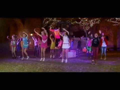De Sinterklaas Welkomstdans is de videoclip van Danspiet & Raak! 'De Sinterklaas Welkomstdans' komt van het album 'Feest in het Kasteel' voor de film De Club...