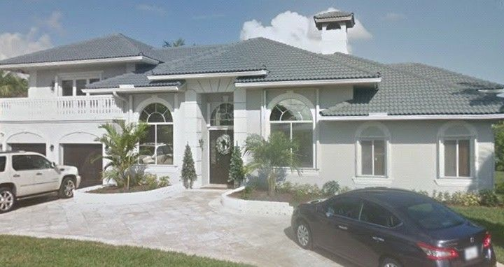 Philly Mob Boss Joey Merlino S House In Boca Raton Florida Around The 1 Million Mark Value Wise The Property Is Owned By Carpet Fitters Crime Family Mobster
