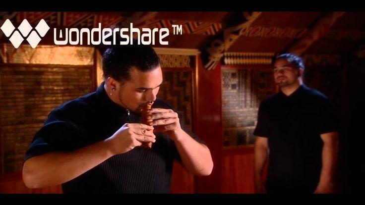 Horomona Horo demonstrates the Koauau