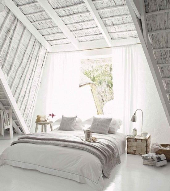 Pretty loft style bedroom | Swiss Sense bedroom inspiration | Kijk voor meer bedlinnen op SwissSense.nl
