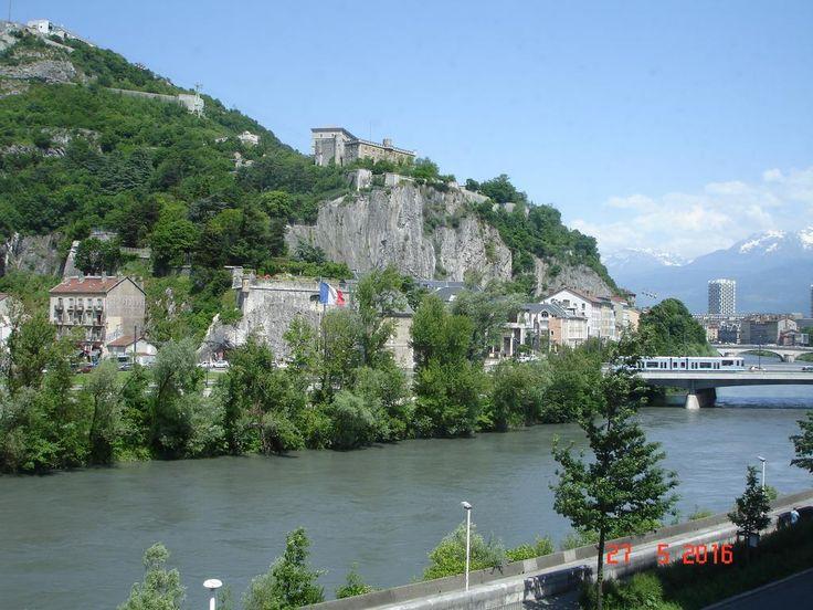 Novotel Grenoble Centre #Grenoble, #France 🌟🌟🌟🌟 - 354 Guest reviews  ⬇️ Book your hotel now ⬇️  http://buff.ly/2pwA3fH?utm_content=buffer28a41&utm_medium=social&utm_source=pinterest.com&utm_campaign=buffer