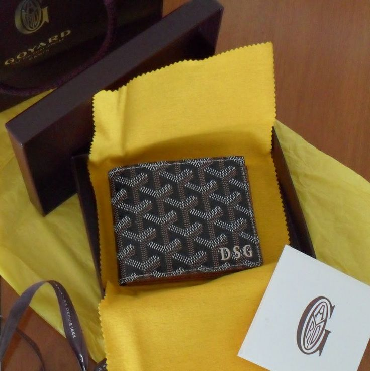 I love Goyard, and this Goyard mens wallet is exquisite.