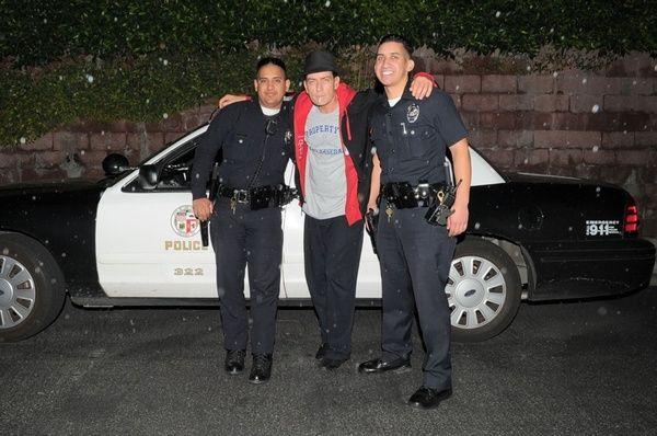 Warlock és a 2 UBER GNARLES GNARLINGTON tagjai LA & # 039; s LEGNEMESEBB dolgozik az éjszakai műszak.  ybw c
