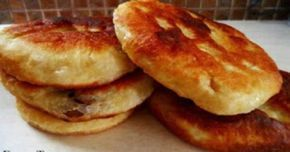 Τηγανοψωμάκια με τυρί η με ελιές με 4 υλικά! Φανταστική συνταγή για ένα λαχταριστό πρωινό,ή για το βράδυ όταν θέλουμε να φάμε κάτι στα γρήγορα!!!! ΥΛΙΚΑ 2