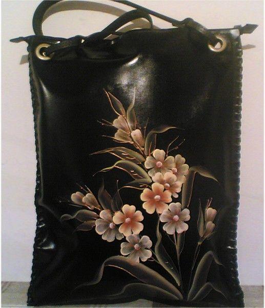 Авторская женская сумка №25 из натуральной кожи. Ручная работа, с ремешком через плечо, оплётка боковых граней, роспись (рисунок) по коже.