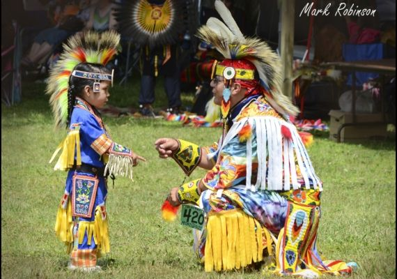 7 Stunning Pictures from Kettle and Stony Point First Nation Pow Wow