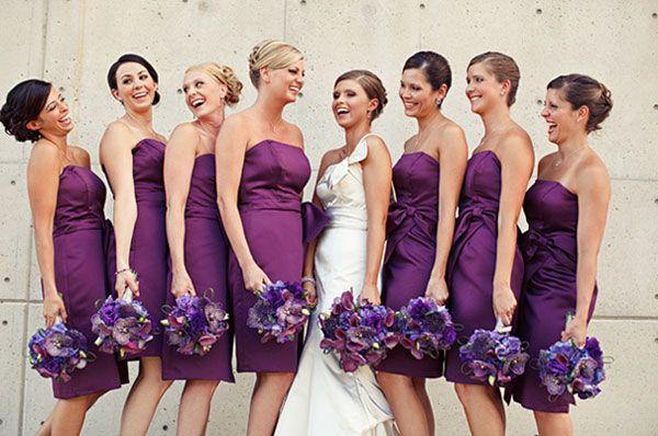 3.mariage-violet-photo-mariee-et-demoiselle-d-honneur