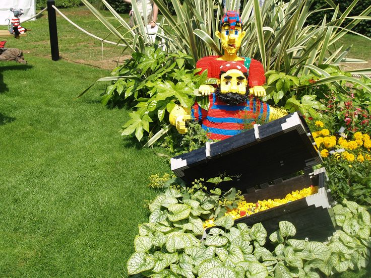 Lego Display Garden at Hampton Court Flower Show 2010 photo by ACS Distance Education  www.acs.edu.au