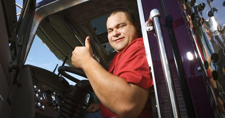 Pasos para obtener una licencia CDL. De acuerdo al Departamento de Estadísticas Laborales de los EE.UU. (BLS, por sus siglas en inglés) las perspectivas laborales desde el 2008 hasta el 2018 son favorables para los conductores de camiones, especialmente para aquellos dispuestos a realizar recorridos largos. Los individuos interesados en la conducción necesitan una licencia de ...