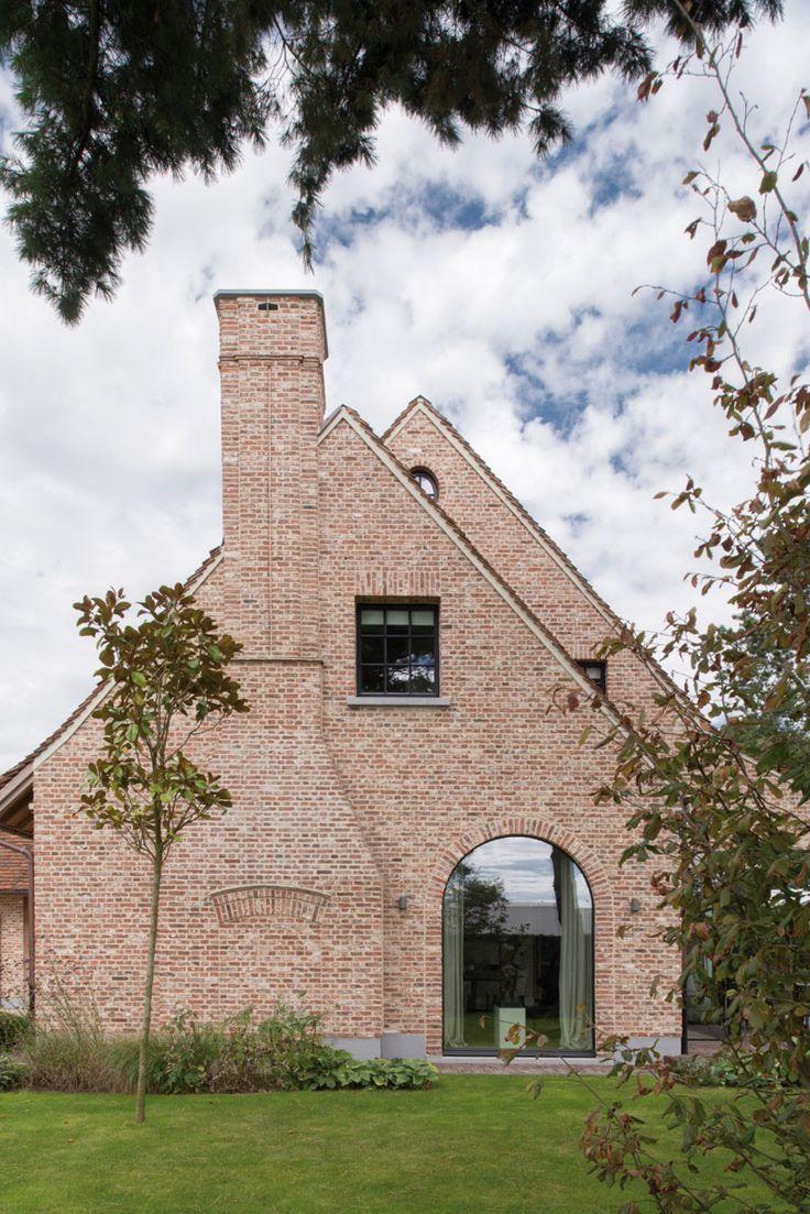 Architect Bart François. Image via Home Sweet Home.