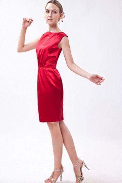 Elastischem Satin Rot Mantel / Spalte Brautjungfern Kleid kv2707 - Silhouette: Mantel / Spalte; Stoff: Satin, Verzierungen: Rüschen, Länge: Knielang - Price: 83.3100 - Link: http://www.kleiderverkaufen.de/elastischem-satin-rot-mantel-spalte-brautjungfern-