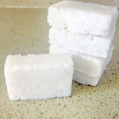 how to make a 4 in 1 soap bar with www.goingzerowaste.com